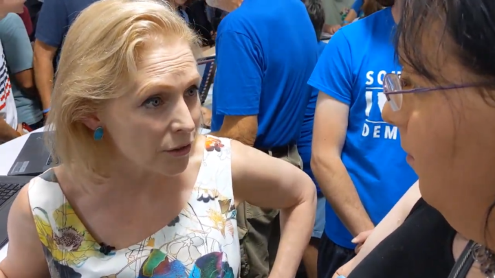 Click to watch: Kirsten Gillibrand on reducing immigrant detention in Des Moines, IA