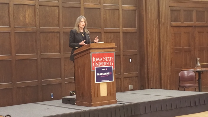 Click to watch: Marianne Williamson on voting rights for those formerly incarcerated in Ames, IA